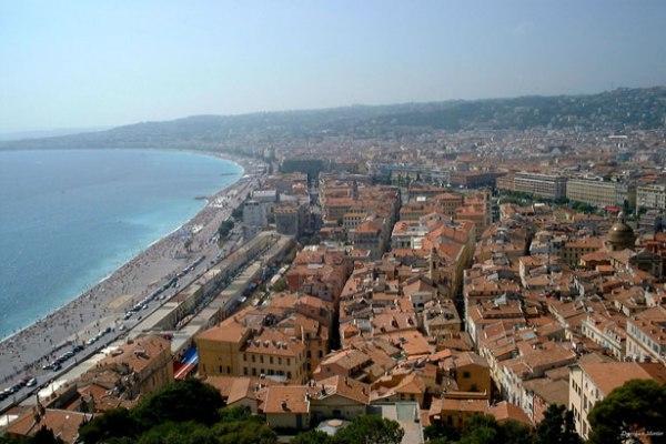 J'ai essayé un voyage en solo à destination de Nice, France 2